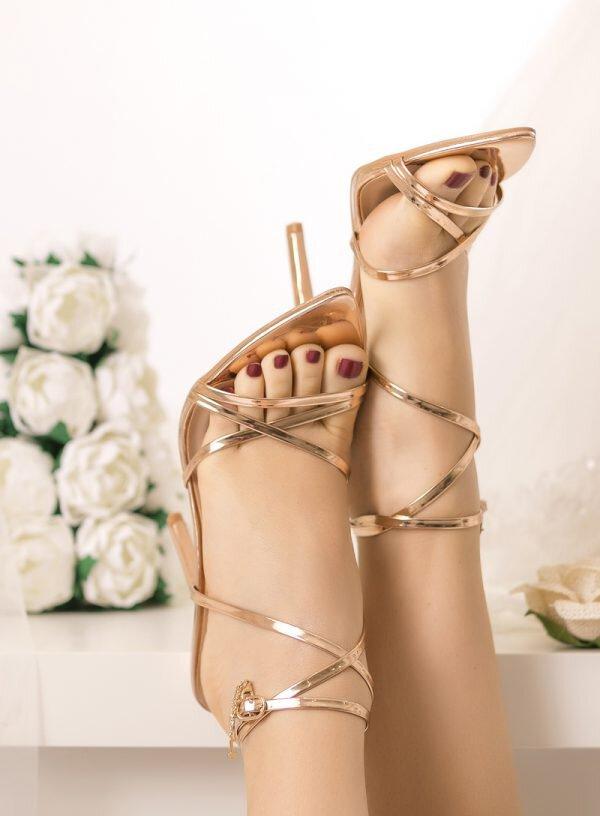 Sandália salto alto para noiva