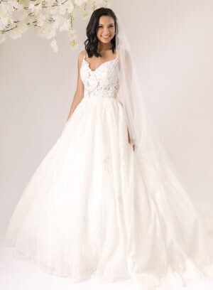 Vestido de Noiva em renda de chantilly