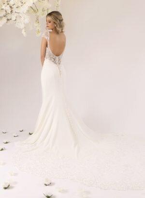Vestido de Noiva em Crepe